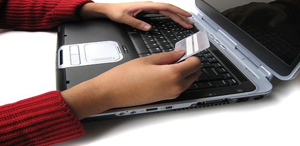 1-laptop-online-shopping2